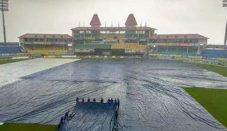 IND vs SA: धर्मशाला में बारिश ने डाला खखल, शाम सात बजे से होने वाला है मैच