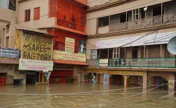 पूर्वांचल में बाढ़ का कहर: वाराणसी, चंदौली, गाजीपुर और बलिया में गंगा खतरे के निशान के पार