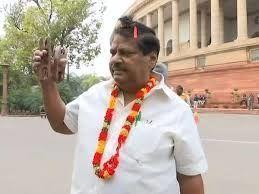 TDP के पूर्व सांसद शिव प्रसाद का निधन, अलग-अलग तरीकों से विरोध प्रदर्शन के लिए वो जाने जाते थे