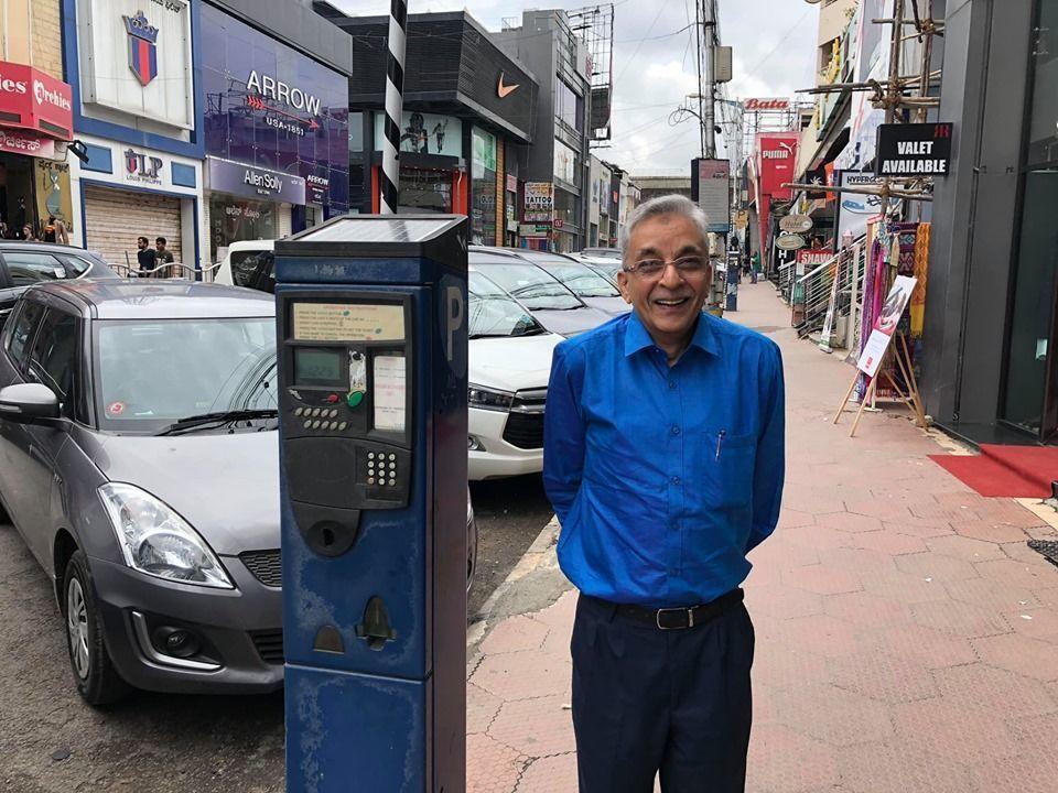 बंगलुरू के ब्रिगेड रोड मार्केट संघ के सचिव यूसुफ़ साहब ने किया कमाल, काश यही सब सोच लें तो देश बदल जाएगा
