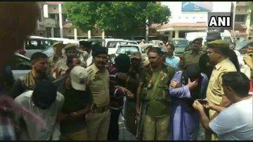 जम्मू कश्मीर में तीन आतंकवादी गिरफ्तार, इस संगठन से थे उनके संबंध