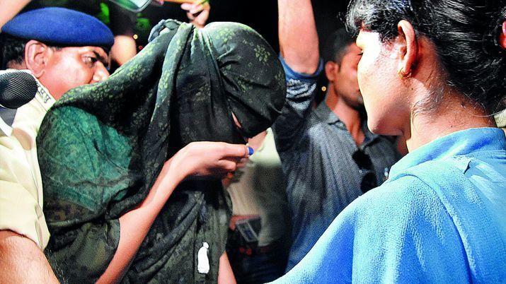 MP हनी ट्रैप: बॉलीवुड की कुछ हीरोइनों के नाम भी उजागर, 40 से ज़्यादा कॉल गर्ल्स, 18 साल की आरोपी खोलेगी कई राज!