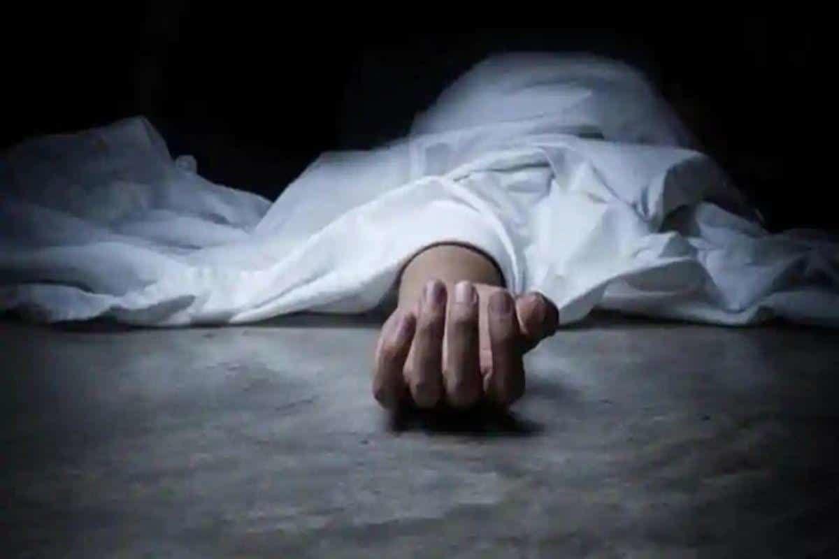 इंदौर : होटल के कमरे में एक ही परिवार के 4 लोगों के शव मिले, मचा हड़कंप