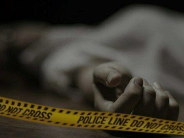 चित्रकूट पुलिस बूथ में मिला महिला का शव, सपा का हमला ,हत्या प्रदेश के डीजीपी मस्त है प्रदेश में बहू बेटियां त्रस्त है