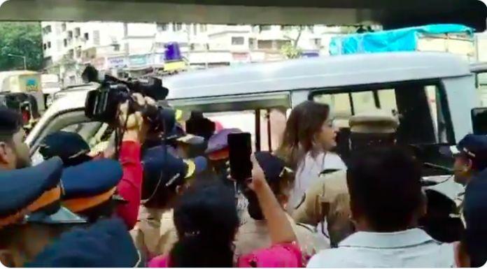 मुंबई के आरे कॉलोनी में पेड़ कटाई के खिलाफ प्रदर्शन जारी, प्रियंका चतुर्वेदी समेत कई हिरासत में, धारा 144 लागू