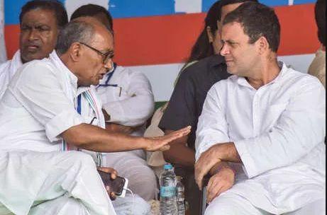 दिग्विजय सिंह बने कांग्रेस के लिए भस्मासुर, तो कांग्रेस में प्रधानमंत्री पद के दावेदार रहे राहुल गांधी आखिर कहां हैं?