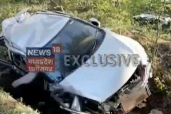 होशंगाबाद में दर्दनाक हादसाः ध्यानचंद हॉकी टूर्नामेंट में खेलने जा रहे 7 हॉकी खिलाड़ियों की कार पेड़ से टकराई, 4 की मौत