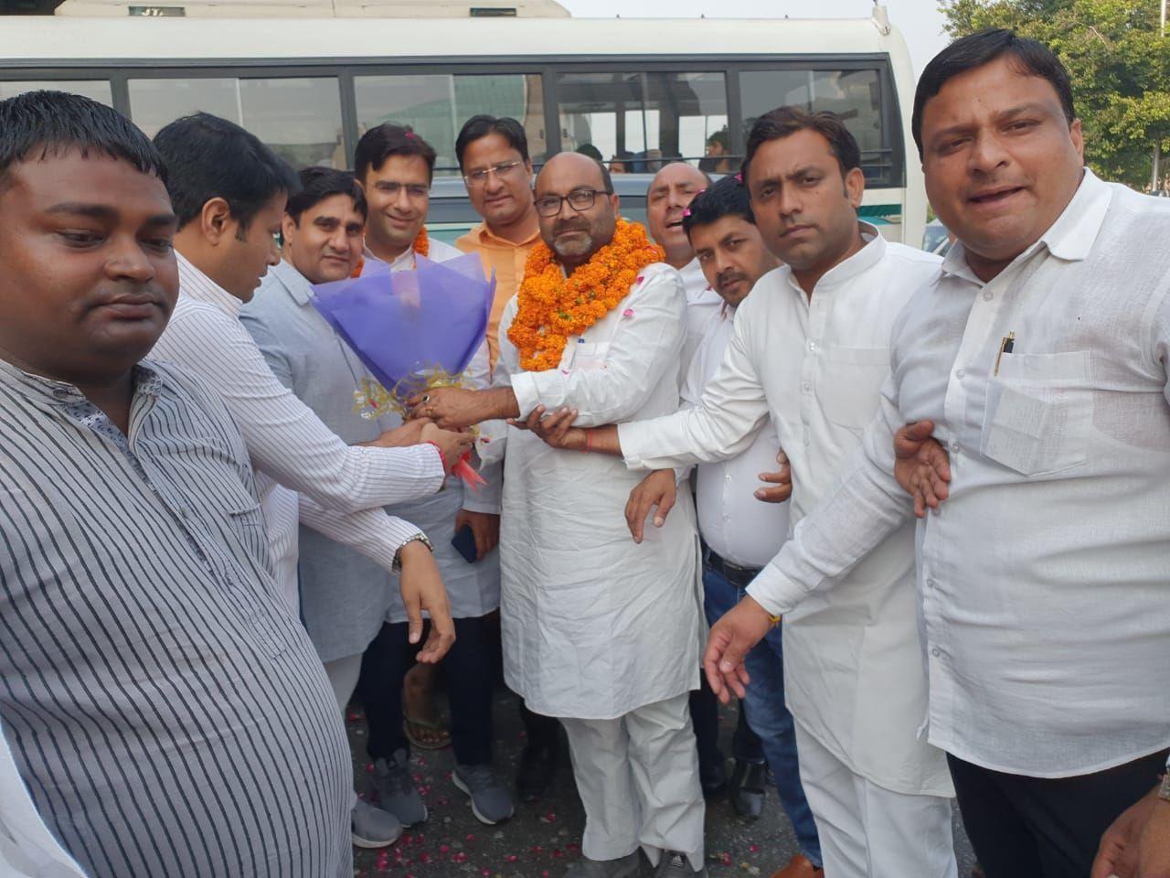 कांगेस के प्रदेश अध्यक्ष अजय कुमार लल्लू का नोएडा में हुआ जोरदार स्वागत