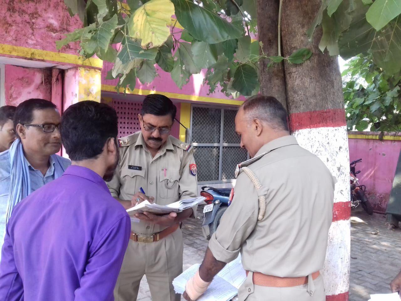 ट्रक में बैठे  खलासी की संदिग्ध परिस्थितियों में मौत, हैदरगढ़ कोतवाली क्षेत्र स्थित टोल प्लाजा पर हुई घटना, मृतक राजस्थान का निवासी