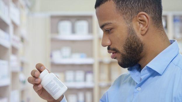 पुरुषों की गर्भनिरोधक गोलियां बाज़ार में क्यों नहीं आती?