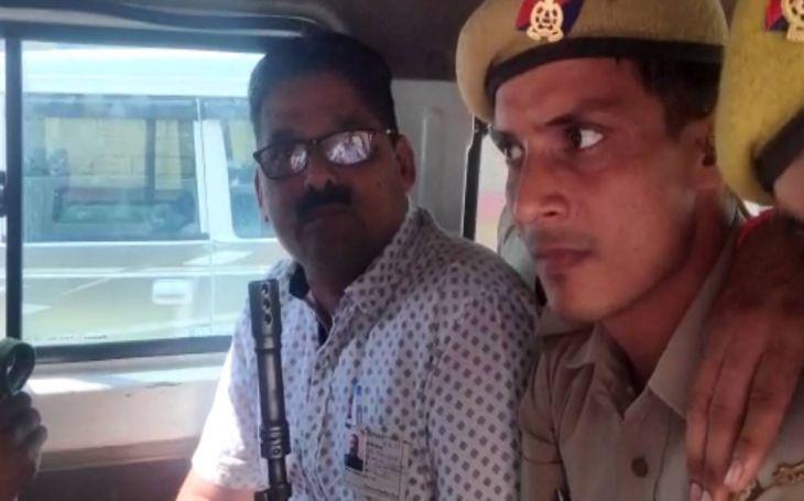 यूपी उपचुनाव: रामपुर में 7 फर्जी एजेंट पकड़े, सपा प्रत्याशी के पक्ष में कर रहे थे काम!