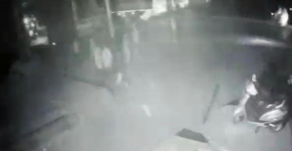 प्रयागराज में कोचिंग के बाहर बम बाजी से दहशत