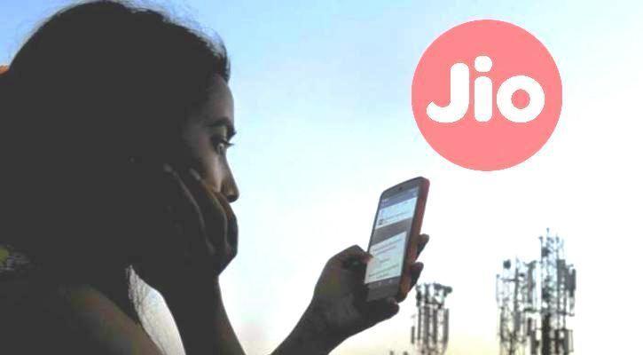 मोबाइल कस्टमर्स को झटका: जिओ-एयरटेल-वोडाफ़ोन ने बढ़ाये दाम