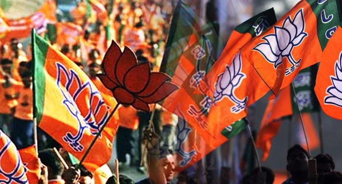 यूपी की बहुत बड़ी राजनीतिक खबर, बीजेपी के 200 विधायक अपनी सरकार के खिलाफ धरने पर बैठे