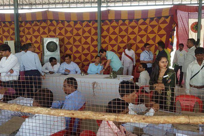 UP By Election Result LIVE: वोटों की गिनती शुरू, पहले तीन नतीजों में सपा बसपा आगे