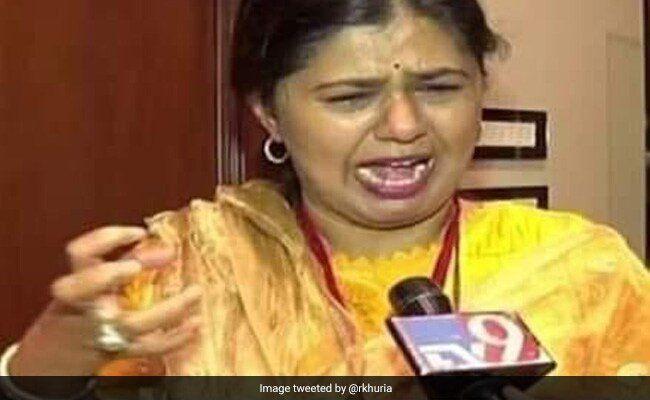 Maharashtra Election Results 2019: हार के बाद बीजेपी नेता पंकजा मुंडे फफक फफक कर रो पड़ीं
