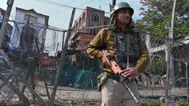 जम्मू कश्मीर के शोपियां में ड्राइवरों पर चरमपंथी समूह ने किया हमला,  राजस्थान के ड्राइवर समेत दो की मौत