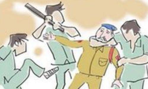 अपराधियों को खदेड़ने के दौरान फूटा DSP का सिर, कई जवान घायल