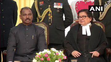 गिरीश चंद्र मुर्मू ने जम्मू-कश्मीर के पहले LG के तौर पर ली शपथ