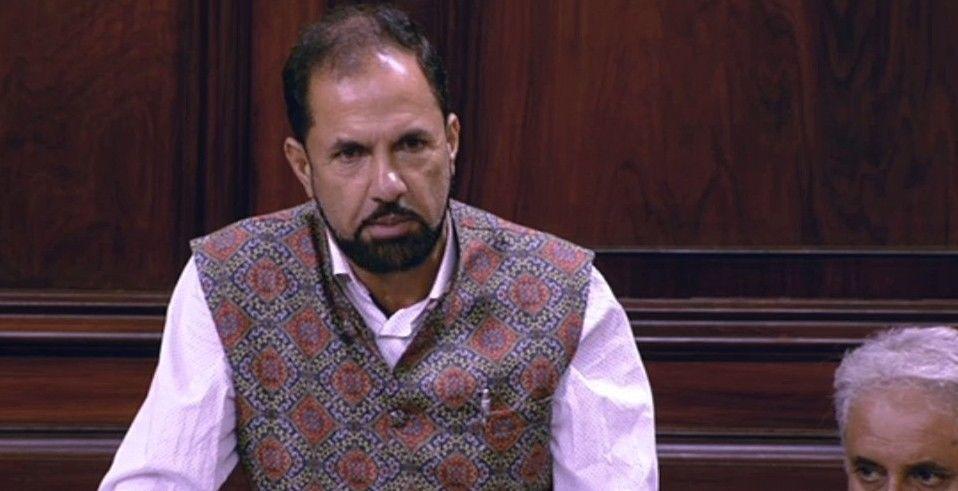 पीडीपी का बड़ा फैसला, राज्यसभा सांसद नजीर अहमद लावे को पार्टी से निकाला