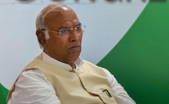 महाराष्ट्र में सरकार गठन को लेकर कांग्रेस और एनसीपी की भूमिका पर मल्लिकार्जुन खड़गे ने कही ये बड़ी बात