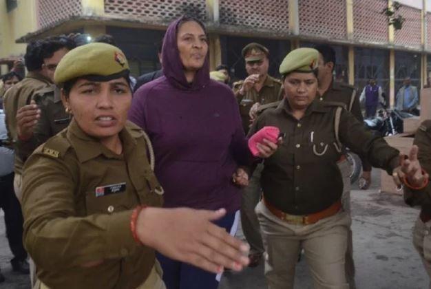 गाजियाबाद: इंस्पेक्टर लक्ष्मी चौहान का पुलिस को मिला रिमांड,  9 लाख 85000 रुपये की रकम हुयी बरामद