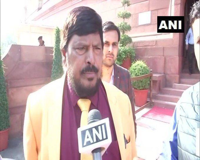 केंद्रीय मंत्री रामदास अठावले लाये महाराष्ट्र में सरकार बनाने के लिए नया फ़ॉर्मूला
