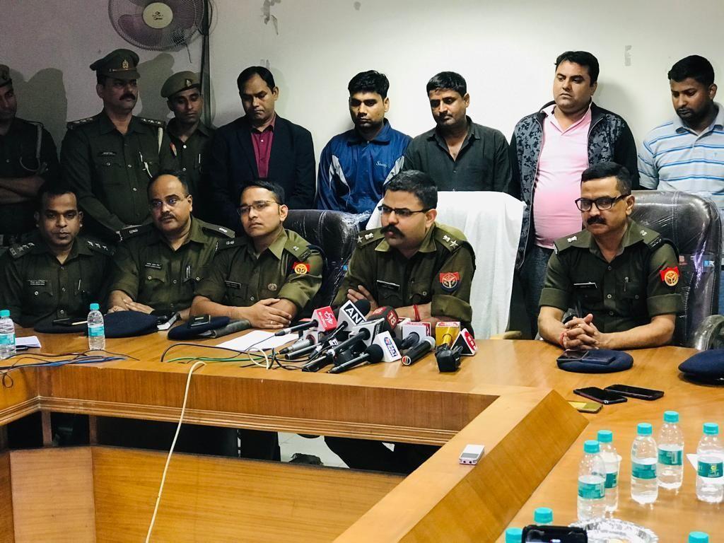होमगार्डों की ड्यूटी लगाने के मामले में हुए करोड़ों रुपये के घोटाले में पाँच अधिकारी गिरफ्तार