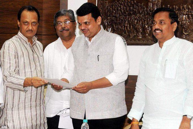 Maharashtra LIVE Update : सत्ता का सियासी संग्राम पहुंचा सुप्रीम कोर्ट, फ्लोर टेस्ट कराने के मांग