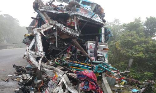 खगड़िया: दो ट्रकों की भीषण टक्कर, दोनों ट्रक ड्राइवरों की मौके पर मौत