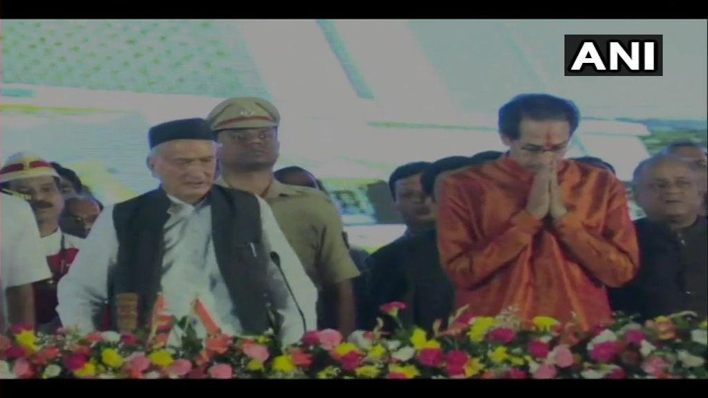 महाराष्ट्र में ठाकरे राज, शिवाजी पार्क में उद्धव ठाकरे ने ली मुख्यमंत्री पद की शपथ, सूबे के 19वें मुख्यमंत्री बने