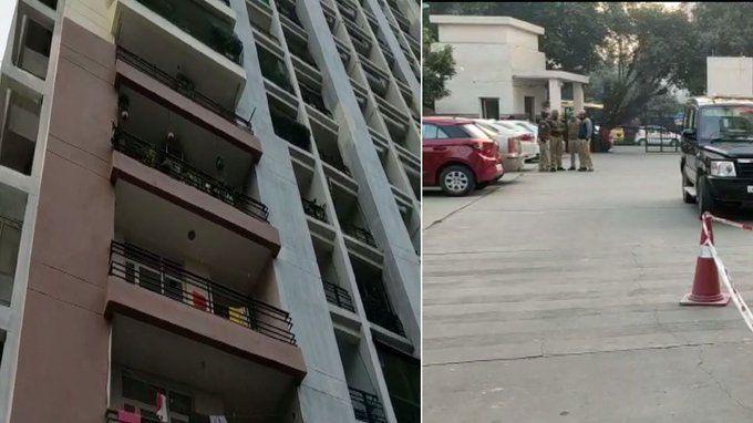 गाजियाबाद में दो बच्चों का गला घोंट दो महिलाओं समेत युवक ने लगाई आठ मंजिल से छलांग, पांचो की मौत