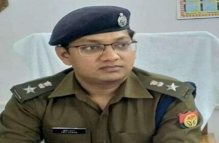 चार्ज लेने के बाद पहली बार कार्यालय पहुंचे एसपी अमित कुमार, हुआ जोरदार स्वागत