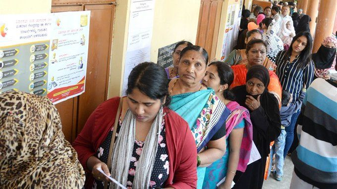 कर्नाटक उपचुनाव :  15 विधानसभा सीटों पर हुई 66.25 पर्सेंट वोटिंग