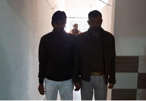 शामली: लूट डकैती 17 मामलों में वांछित ₹25000 का इनामी बदमाश को मुठभेड़ के दौरान पुलिस ने धर दबोचा