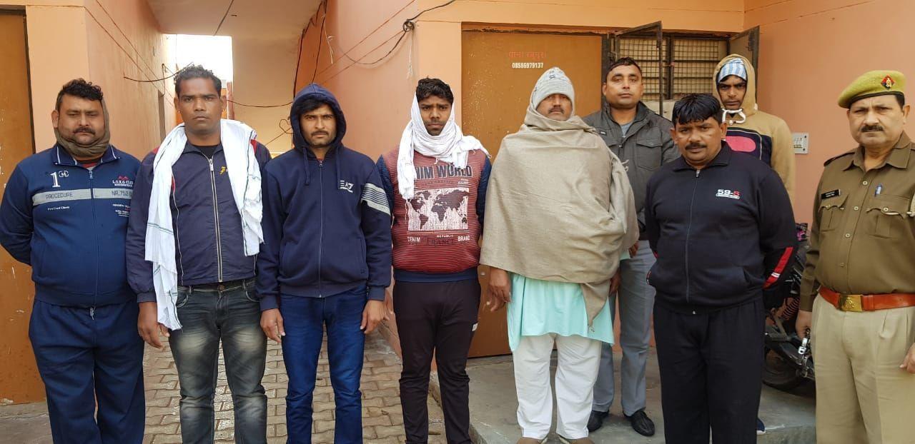 दो सगे भाइयों की हत्या का किया नोएडा पुलिस ने खुलासा, सात आरोपी किये गिरफ्तार