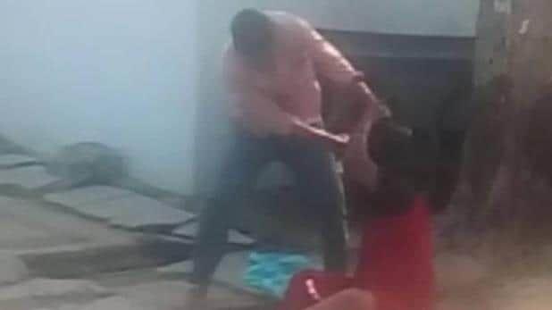 जेल से जमानत पर आकर आरोपी ने महिला को हंसिया से काट डाला