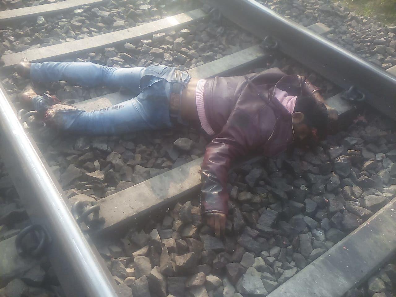 बाराबंकी : ट्रेन की चपेट में आकर ट्रक ड्राइवर की मौत