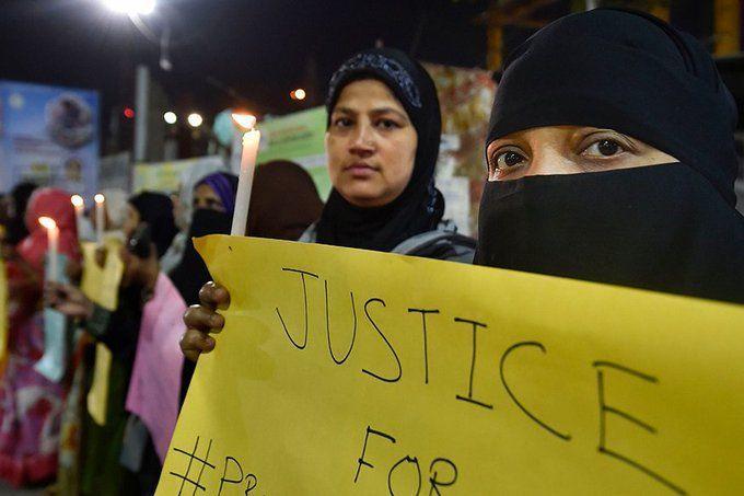 हैदराबाद रेप केस: मुठभेड़ में शामिल पुलिस वालों पर अभी तक FIR दर्ज न होने पर हाईकोर्ट ने हैरानी जताई