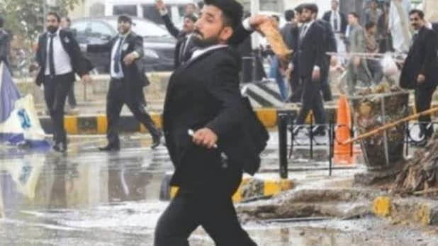 पाकिस्तान में वकीलों का अस्पताल पर हमला, 15 की मौत और पंजाब के सूचना मंत्री फयाज समेत 25 घायल