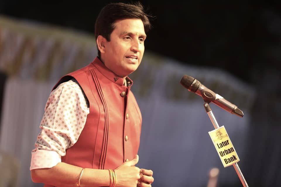 कुमार विश्वास ने लगाई पाकिस्तान के मंत्री को लताड़, क्यों बे पाकिस्तानी पिस्सू?