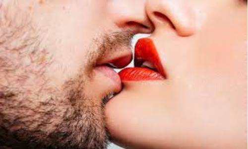 7 टाइप के किस: जानें कहां किसिंग का क्या होता है मतलब?