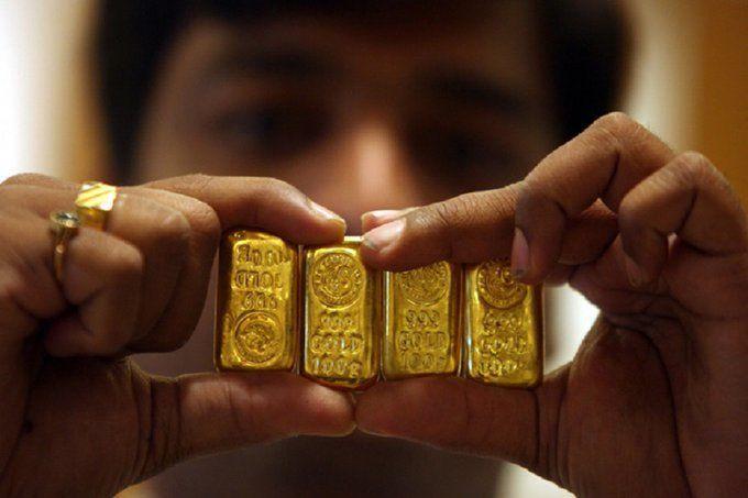 अंतर्राष्ट्रीय बाजार में गिरी सोने की कीमतें, आज भारत में भी हो सकता है सस्ता