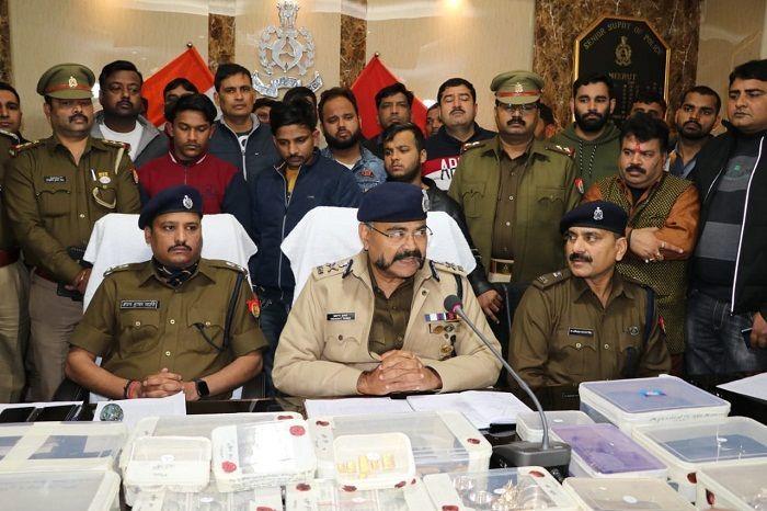 मेरठ के सर्राफ के यहां डकैती का सनसनीखेज खुलासा, चार बदमाश गिरफ्तार