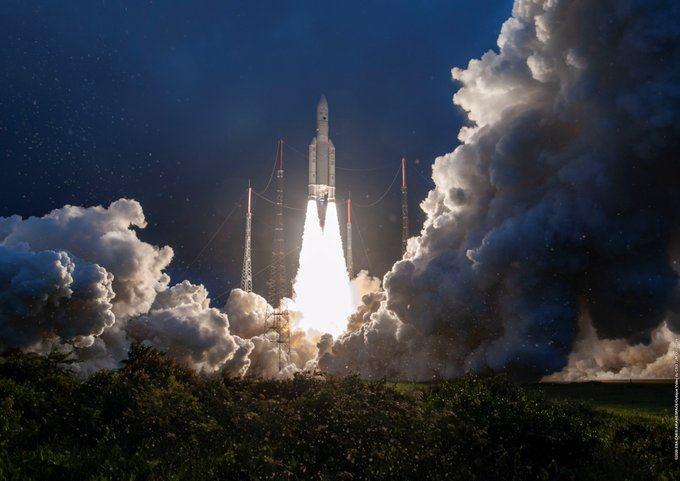 ISRO ने संचार उपग्रह GSAT-30 लॉन्च किया, जानिए किन खूबियों से लैस है - ये होंगे इसके फायदे