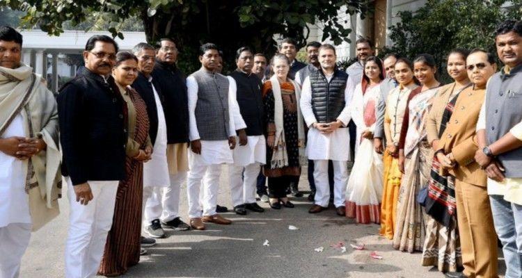 झारखंड मंत्रिमंडल विस्तार पर सस्पेंस जल्द होगा खत्म, सोनिया और राहुल से मिले झारखंड कांग्रेस के नवनिर्वाचित विधायक