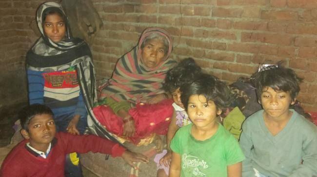 यूपी मानवता हुई शर्मसार, अस्पताल के प्रबंधक योगेश सिंह ने पैसे के लिए शव को बनाया बंधक