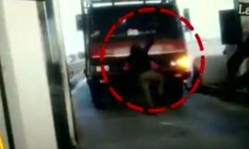 नोएडा में टोलटेक्स पर हुए विवाद में ट्रक चालक ने युवक को कुचल कर मार डाला, घटना सीसीटीवी में कैद