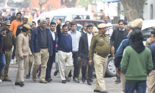 दिल्ली विधानसभा चुनाव: 5 साल सत्ता में रहने वाले केजरीवाल नामाकंन के समय बोले-मेरा नंबर45वां