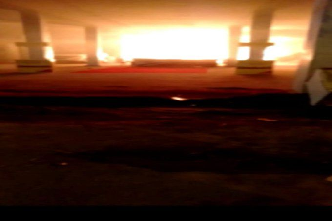 ग्वालियर व्यापार मेले में कार शो-रूम में भीषण आग, 1 करोड़ की गाड़ियां जलकर खाक